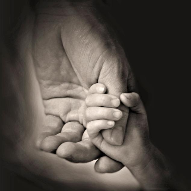 hands-407389_960_720